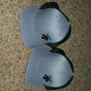 descente Accessories - Bundle of Descente Logo Hats